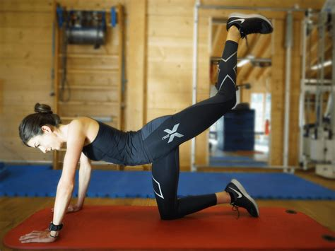 Home Workouts: Get into those skinny jeans with Kneeling