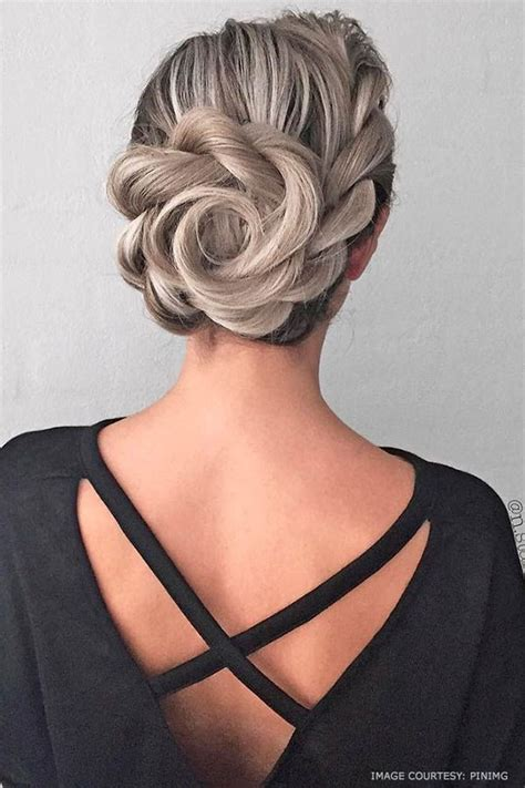 14 Beautiful Grecian Hairstyles for Women that looks very