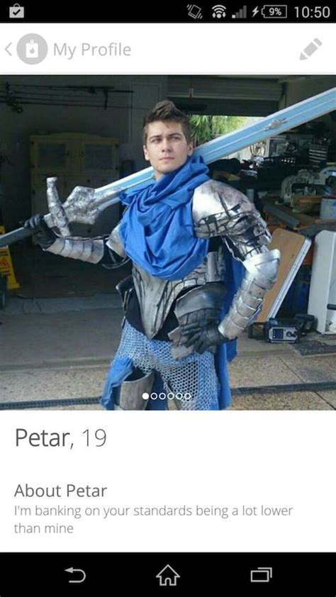 The 15 Most Ridiculous Tinder Profiles | Pleated Jeans