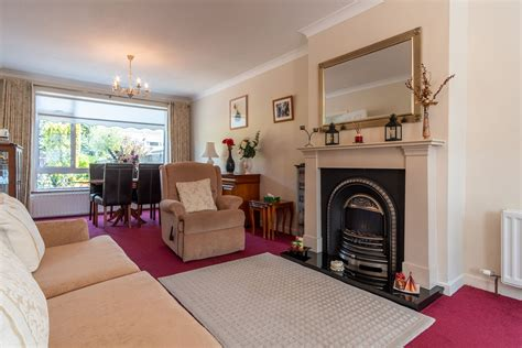 4 Beds Semi Detached Property for Sale at 9 Brompton Lawn